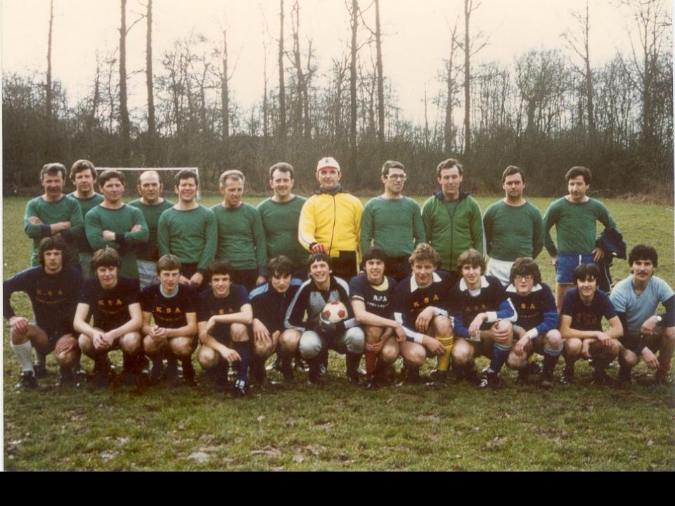voetbal KSA leiding - ouders opendeurdag februari 1983.jpg